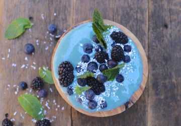 blue smoothie bowl