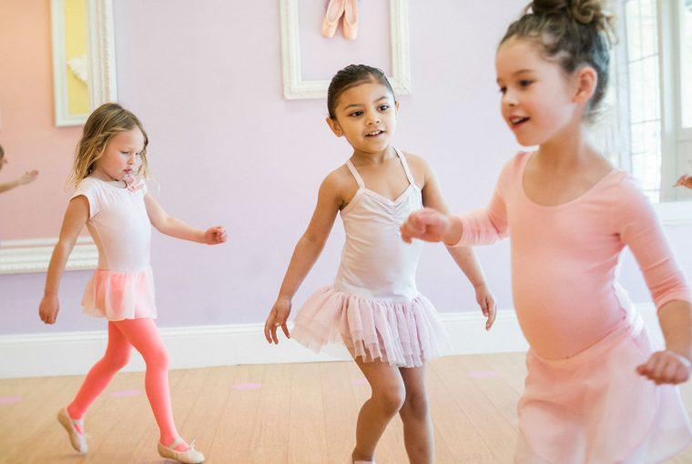 young children dancing