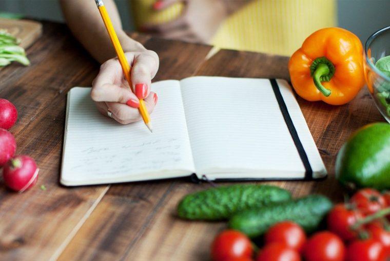 an employee eating healthy food